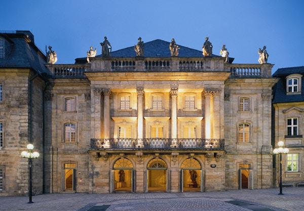 Opernhausklein