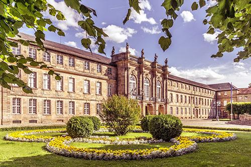Neues-Schloss_klein_Foto-Bjoern-Vollmuth