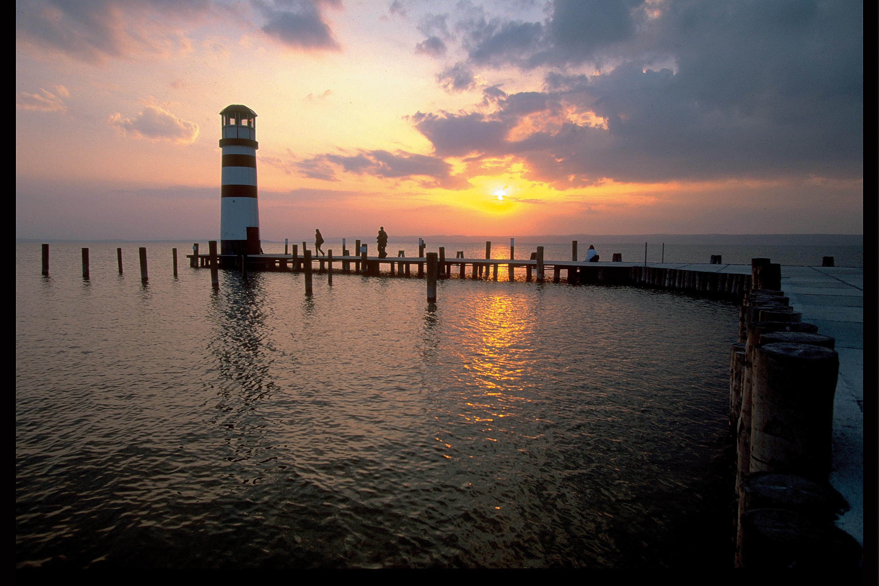 sonnenuntergang_leuchtturm_podersdorf