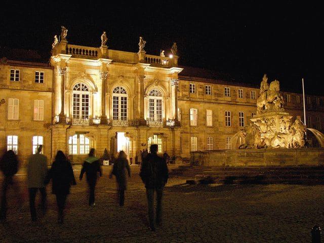 Neues Schloss bei Nacht