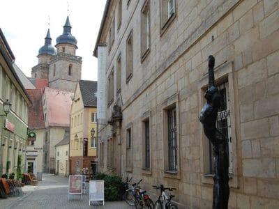Blick auf den Eingang des Kunstmuseums