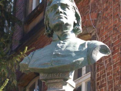 Franz-Liszt-Büste