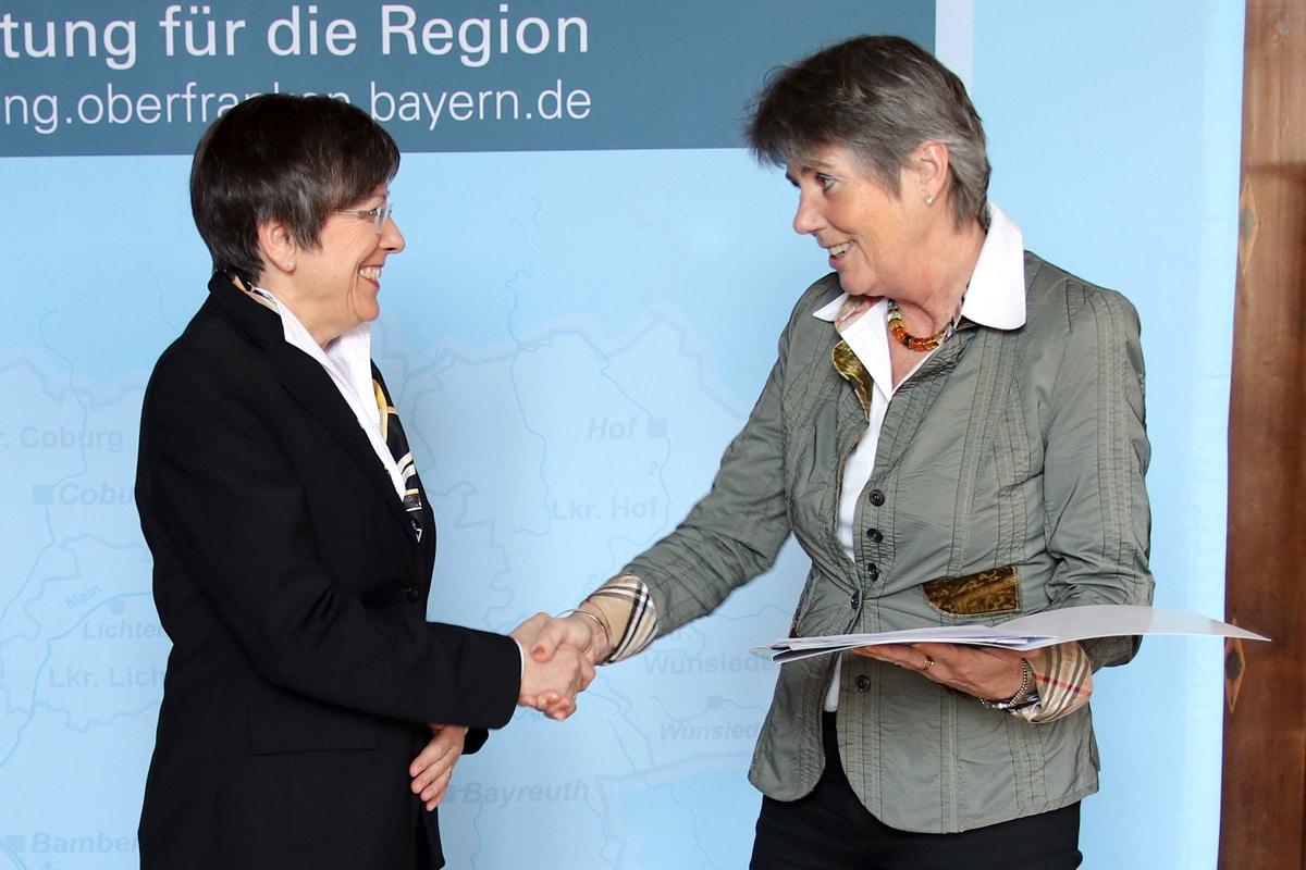 OB Brigitte Merk-Erbe und Regierungspräsidentin Heidrun Piwernetz