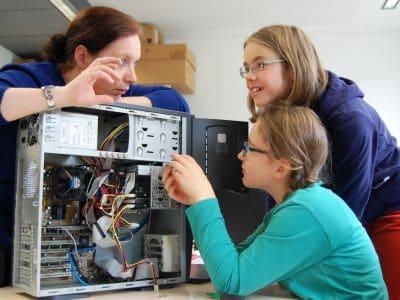 Uni-Angebot Mädchen und Technik