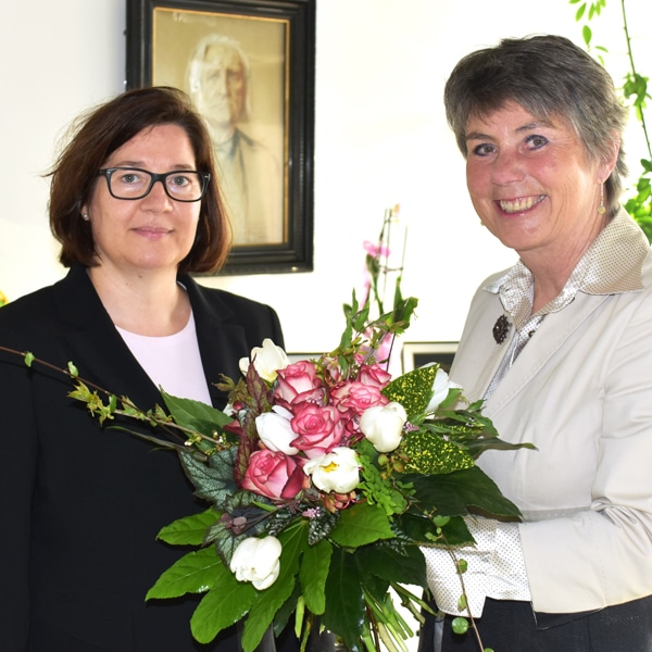 Manuela Brozat (links)