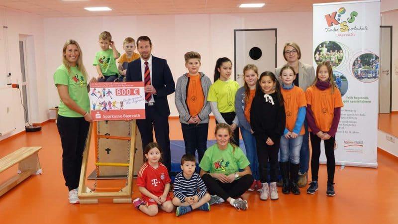 Übergabe der Knobbern-Spende für die Kindersportschule der Bayreuther Turnerschaft.