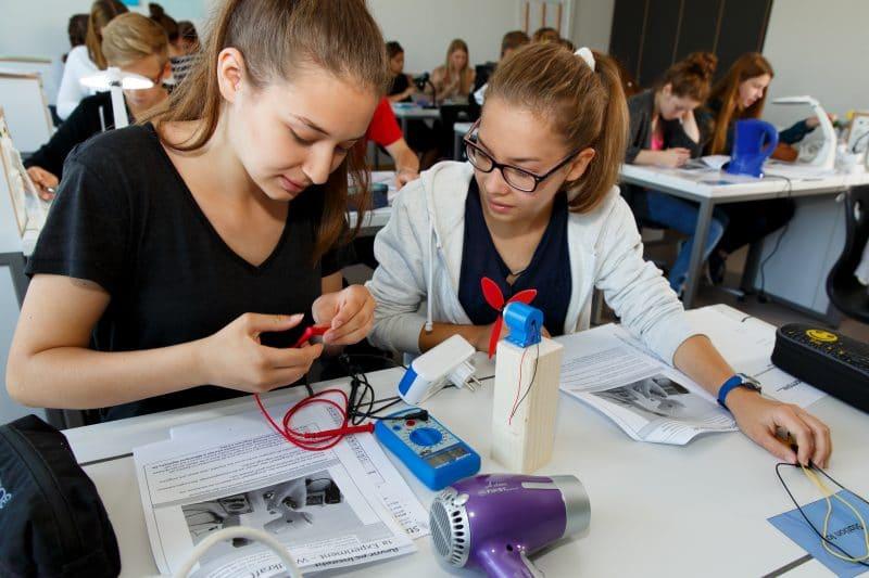 Initiative Junge Forscherinnen und Forscher e.V.