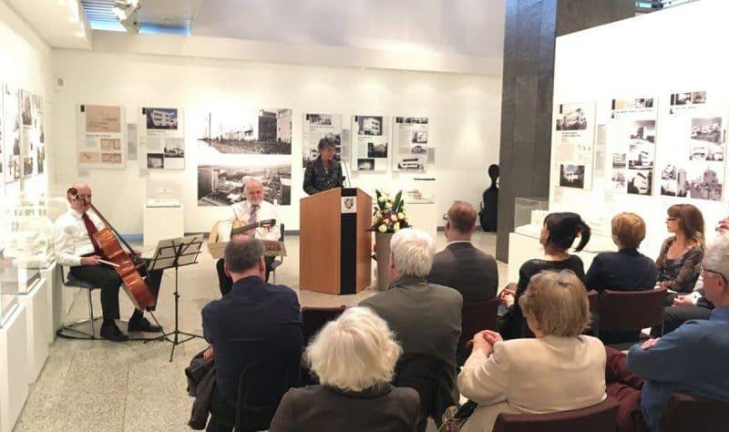 Ausstellungseröffnung im Rathaus