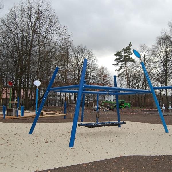 Blick auf den Spielplatz während der Bauzeit