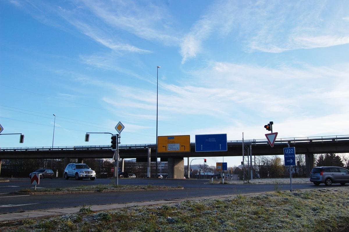 Blick auf die Hochbrücke