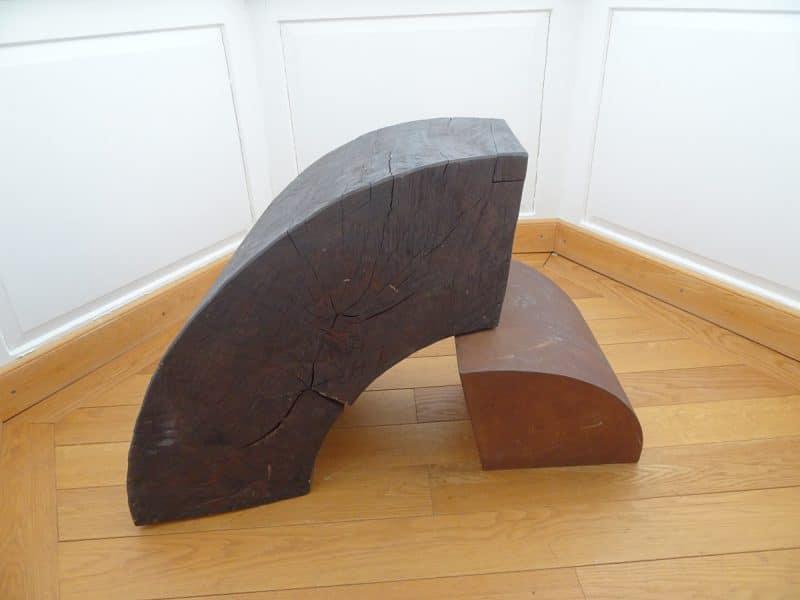 Diethelm Koch Zylinderstück XXVII 1996, Holz (Buche) Grauguss, zweiteilig 63 x 95 x 63 cm Diethelm Koch Schenkung | Foto: Kunstmuseum Bayreuth