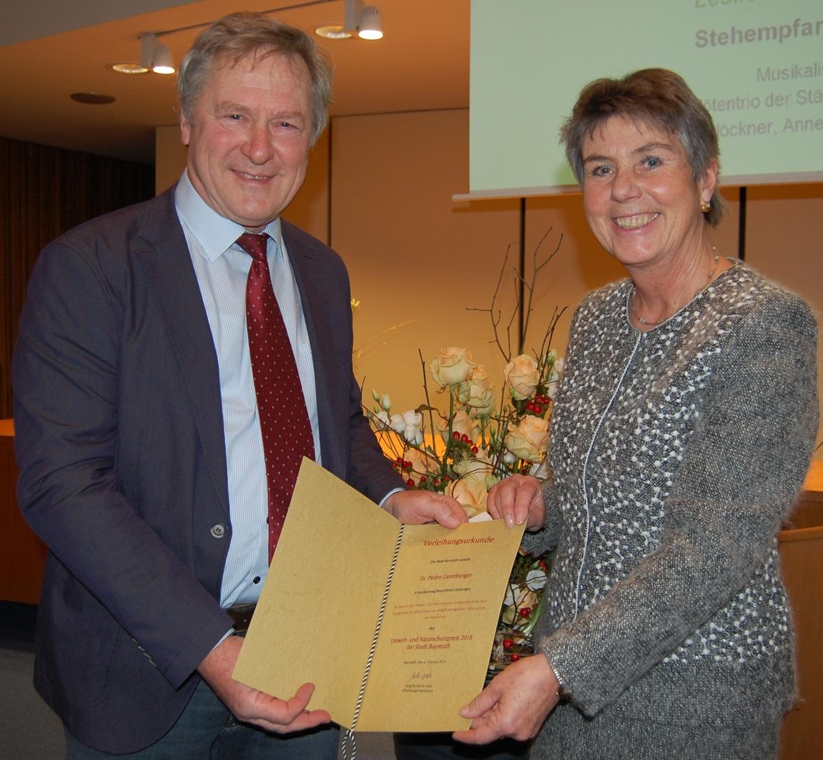 Dr. Pedro Gerstberger und Oberbürgermeisterin Brigitte Merk-Erbe