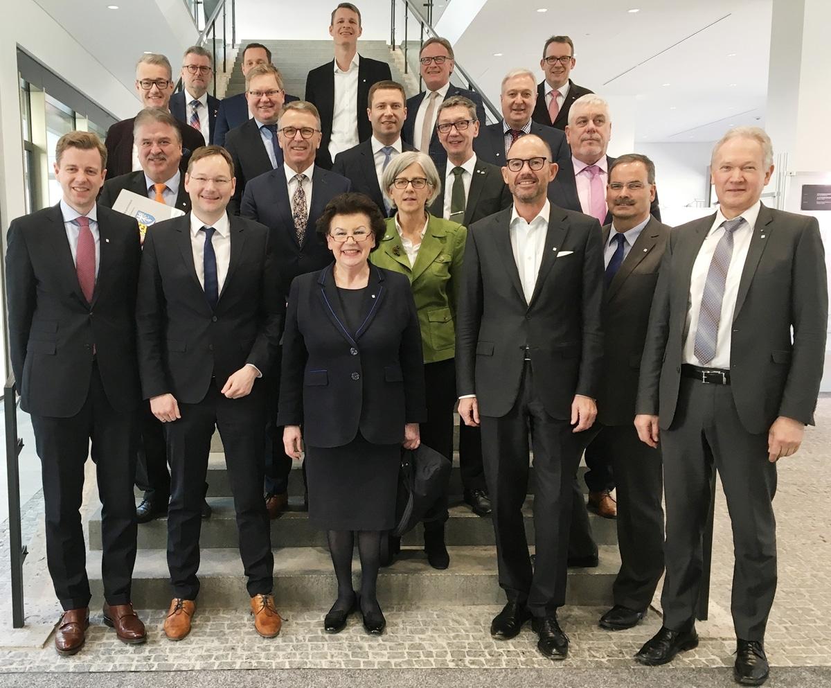Die Teilnehmer/innen des Ministergesprächs
