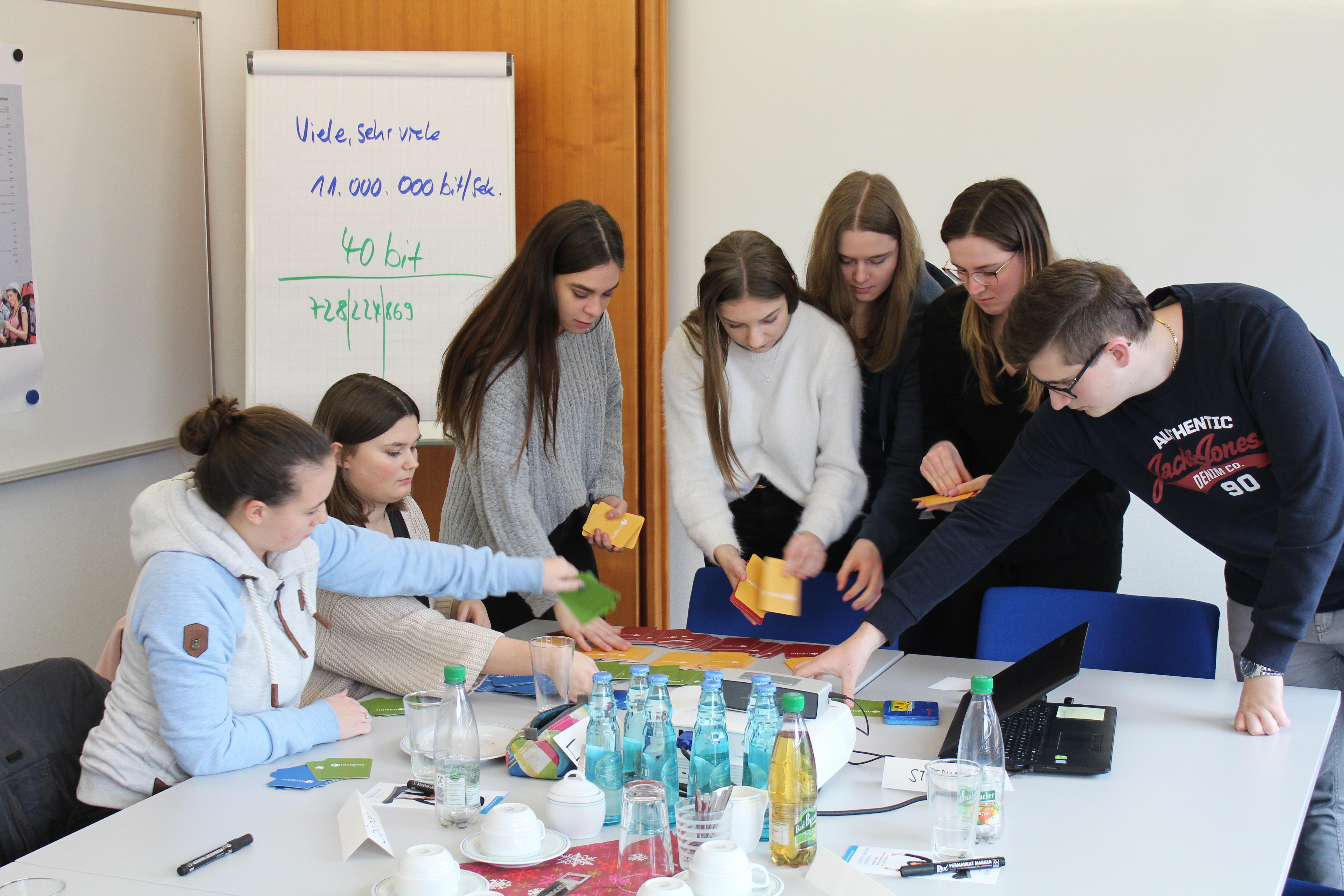 Zusätzliche Kompetenzen erlernen Auszubildende bei der Wirtschaftsakademie, , Quelle: Stadt Bayreuth