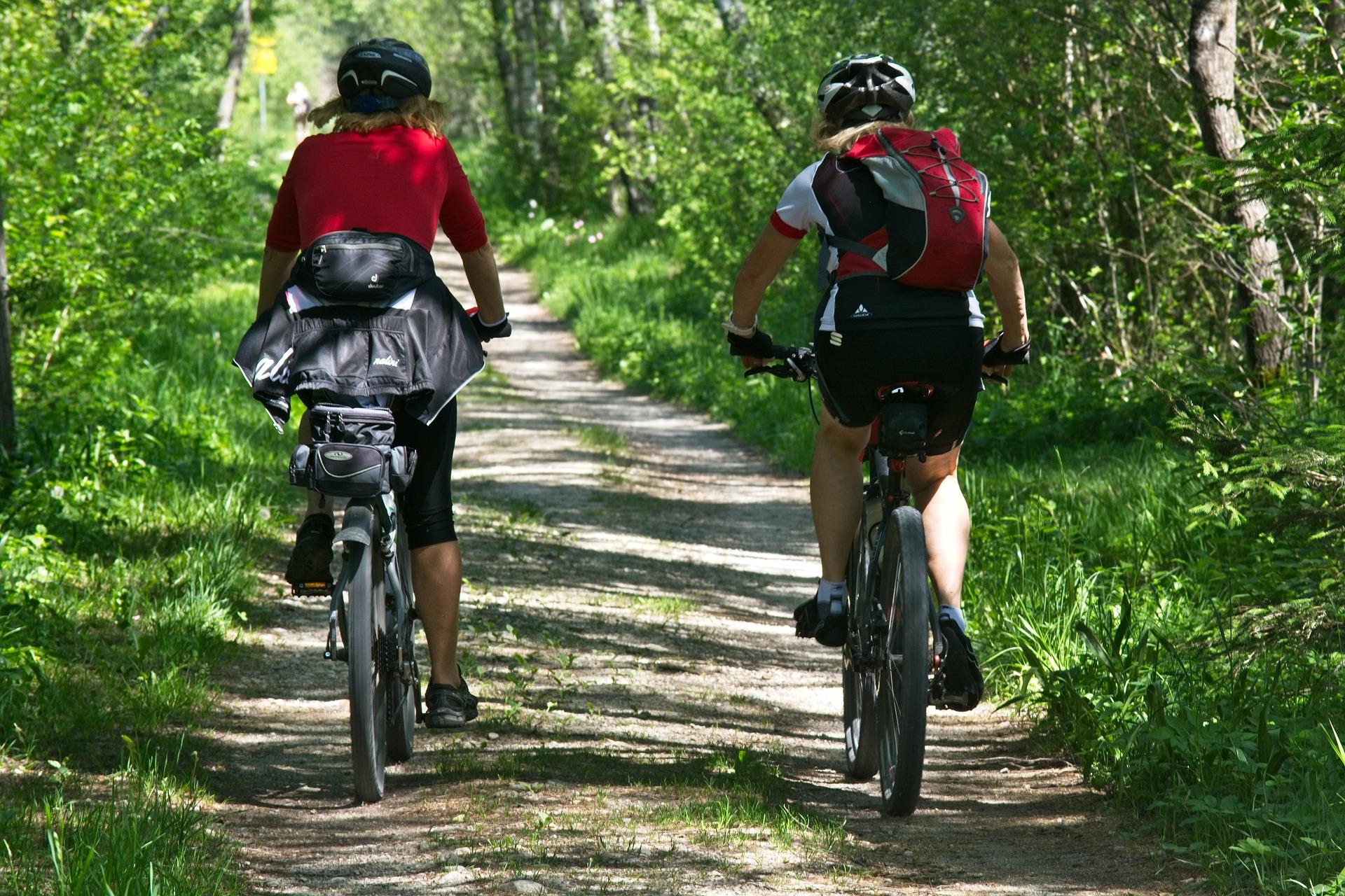 Radfahrer in der Natur