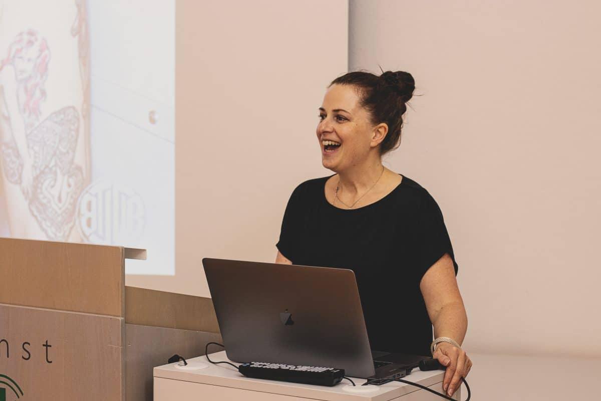 Kerstin Rank beim Vortrag