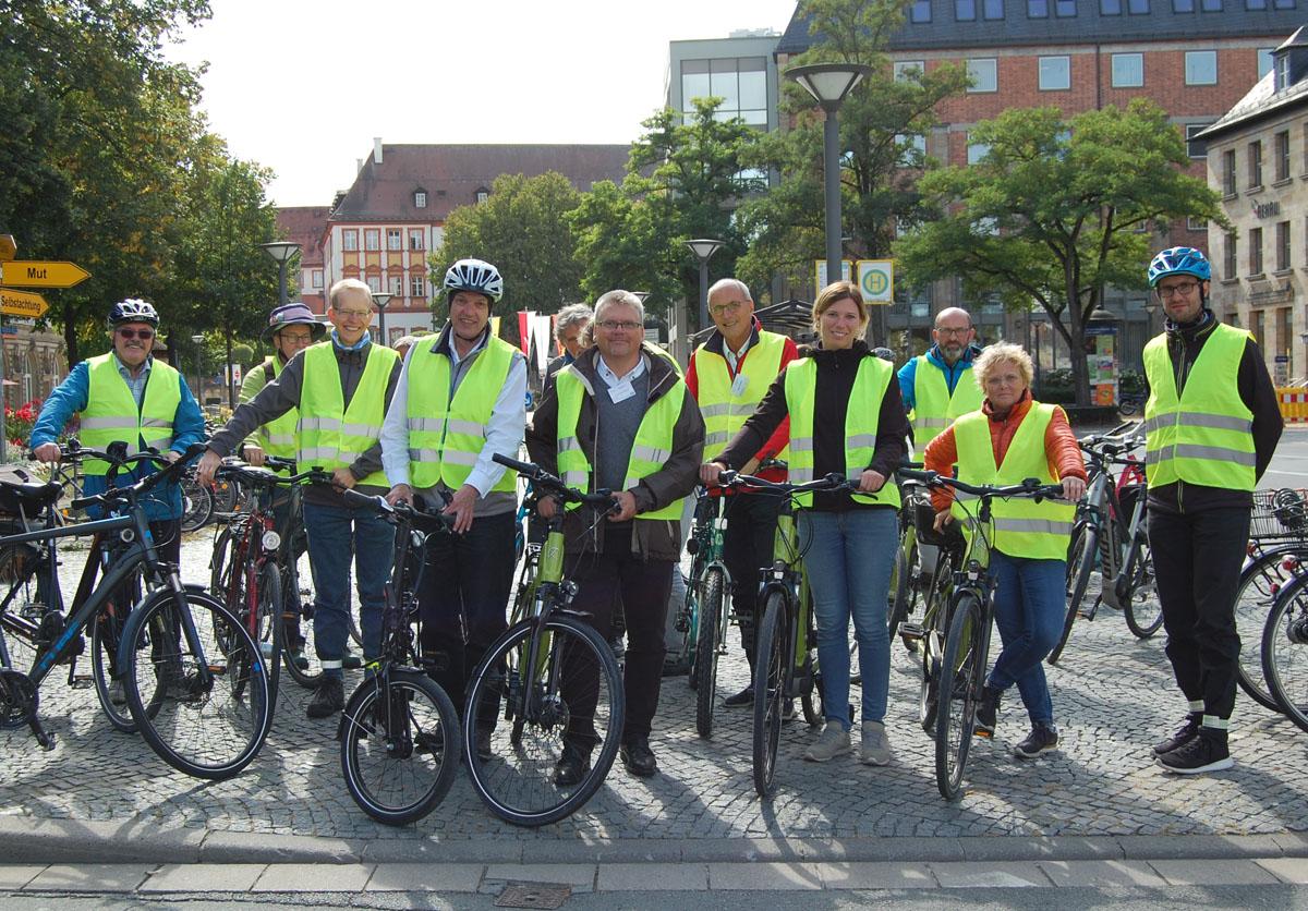 Die AGFK-Bewertungskommission hat bei einer Radexkursion Bayreuths Qualitäten als fahrradfreundliche Kommune unter die Lupe genommen.