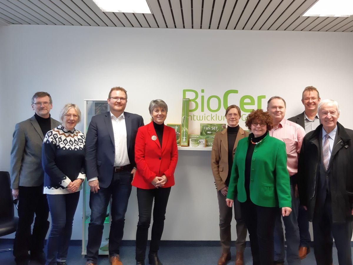 Delegation der Stadt bei BioCer Firmenbesuch