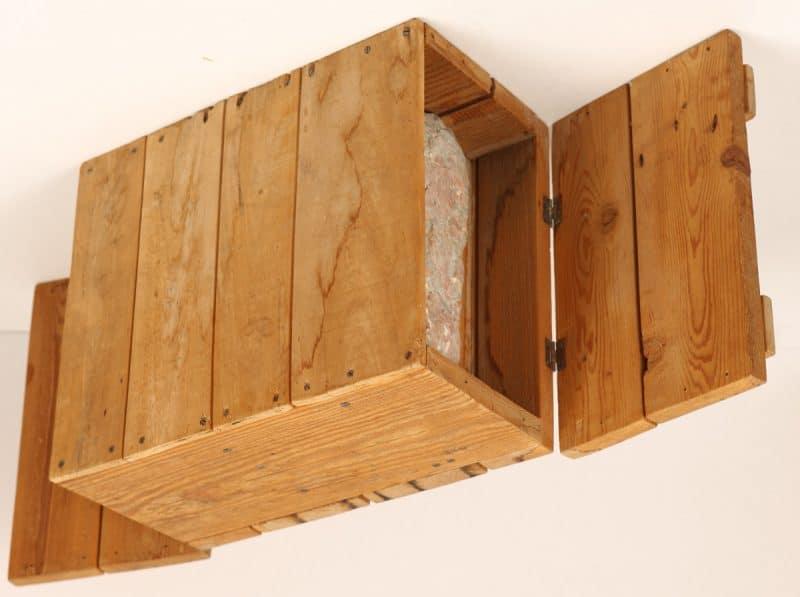 Holzkiste mit Marmor | AD Trantenroth-Sammlung der Oberfrankenstiftung im Kunstmuseum Bayreuth