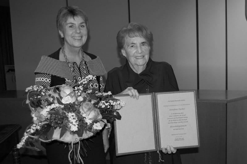 Anneliese Fischer mit Oberbürgermeisterin Brigitte Merk-Erbe bei der Verleihung der Ehrenbürgerwürde im Januar 2019 im Rathaus. | Foto: Stadt Bayreuth
