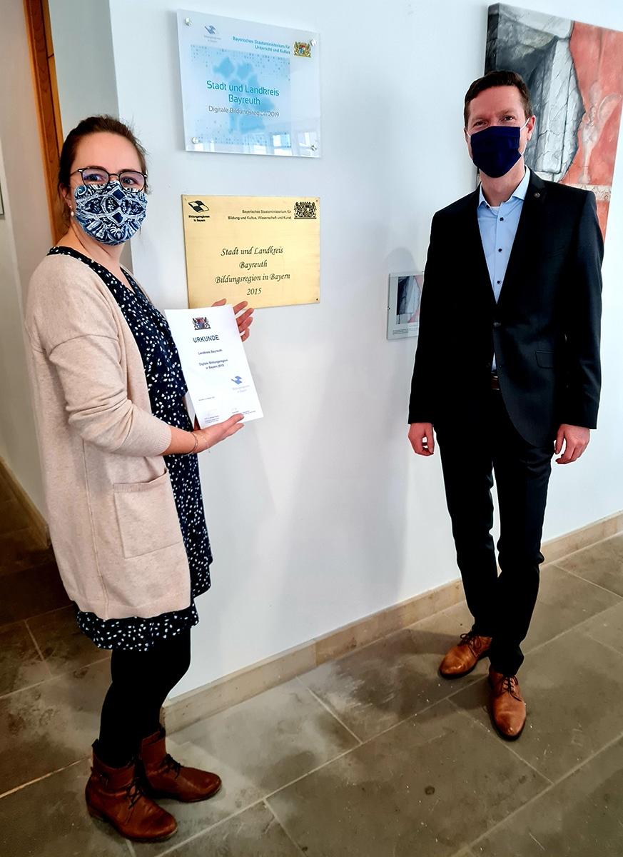 Landrat Wiedemann mit Christina Fehmel