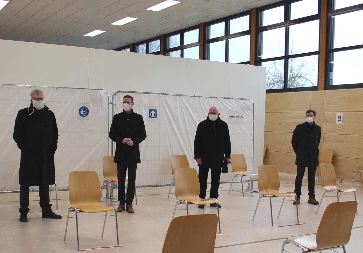Oberbürgermeister Eberberger, Landrat Wiedemann, Sicherheitsreferent Ulrich Pfeifer (Stadt Bayreuth) und Ulrich Scheffer vom Landratsamt Bayreuth (von links). | Foto: Landkreis Bayreuth