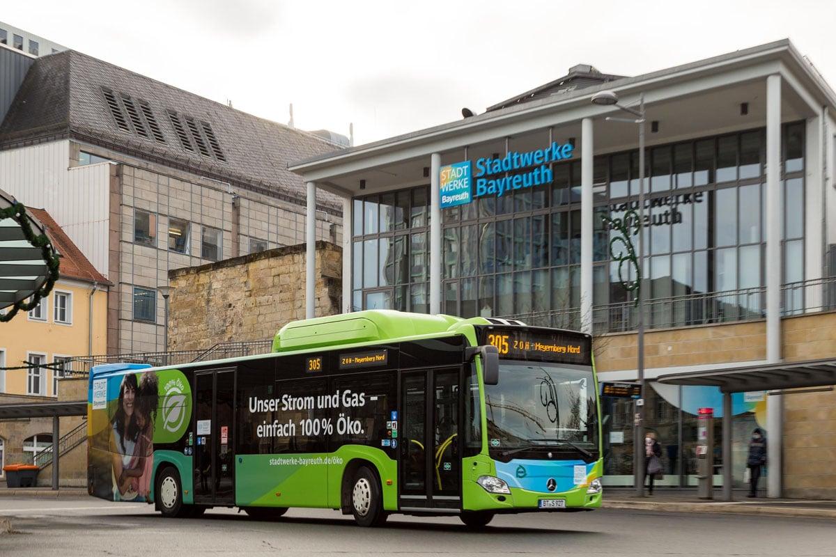 Stadtbus an der Zentralen Omnibus-Haltestelle.dem