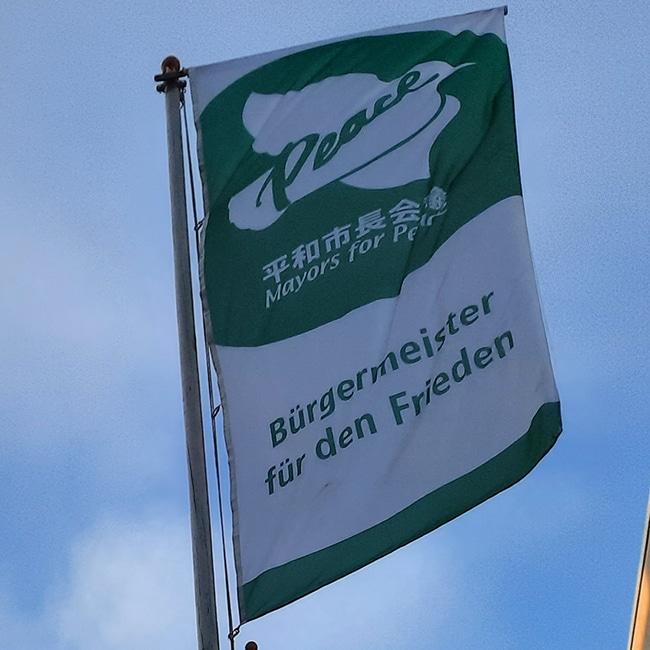 Fahne im Winde verweht