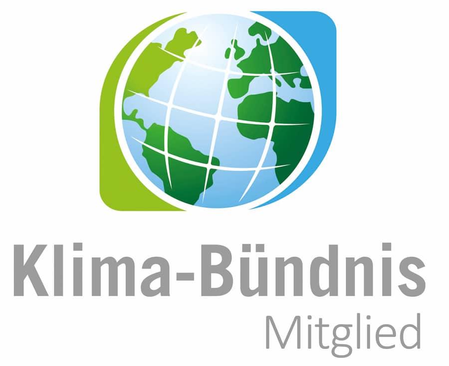 Logo des Klimabündnisses zeigt eine Weltkugel.