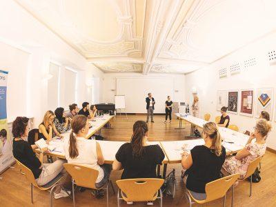 Workshopsituation bei einer Veranstaltung von Bayern kreativ