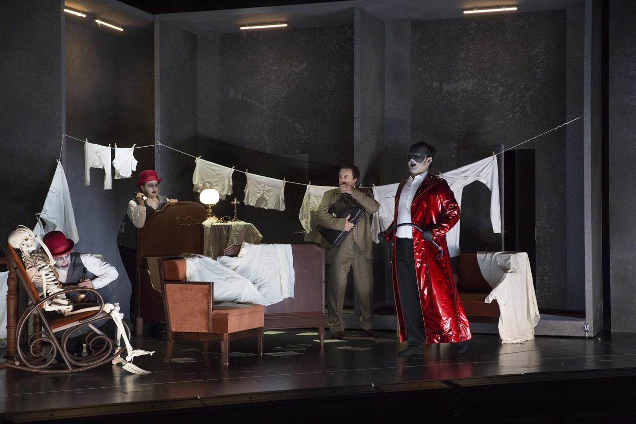 "Szene aus der Oper ""Der Prozess"". | Foto: Theater Hof"