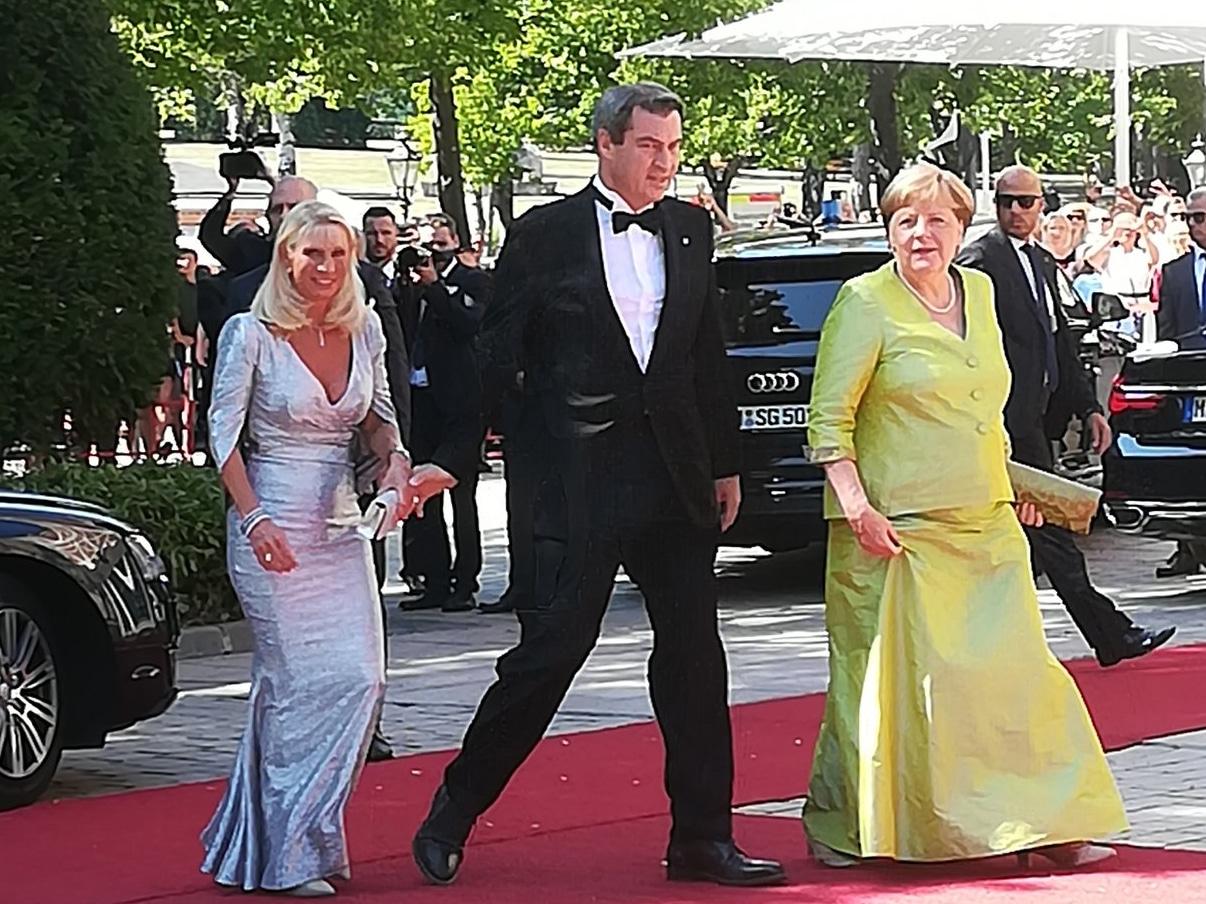 Kanzlerin Merkel mit Ministerpräsident Söder