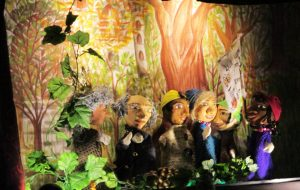 Die sechs Stars der Puppenbühne.
